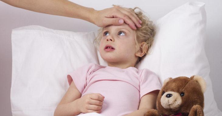 Bebekte mide üşütmesi ve ateşlenme